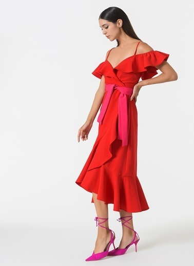Esra Gürses Elbise Kırmızı